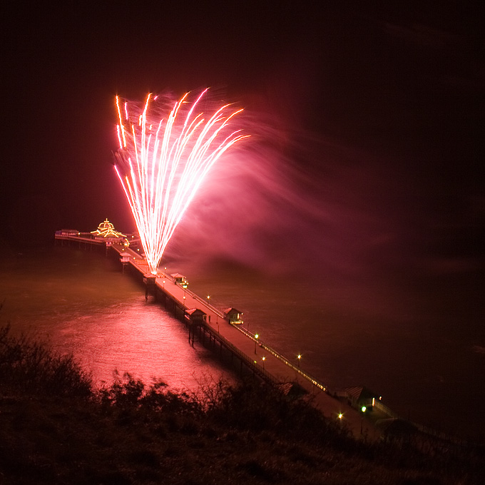 an image of Llandudno Fireworks 2007, Two