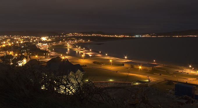 an image of Llandudno shore at night